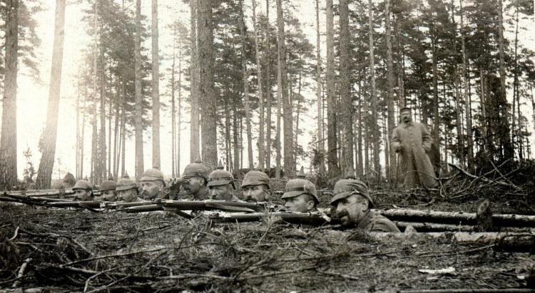 Infanteri Kekaisaran Jerman dalam parit