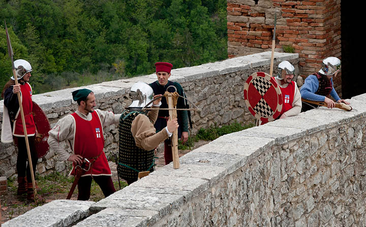peran pemanah dalam benteng 11