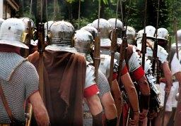 Gambaran Hidup Tentara Era Klasik dalam Kampanye Militer